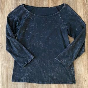 Black Quarter Sleeve Top